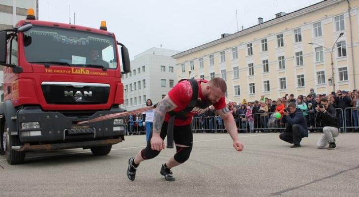 На День города в Сыктывкаре силачи будут таскать грузовики и кидать тяжелые покрышки