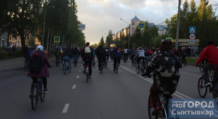 «Велоночь» в Сыктывкаре: фоторепортаж изнутри колонны