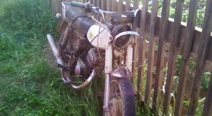 На трассе в Коми влетел в отбойник 18-летний мотоциклист, он в реанимации