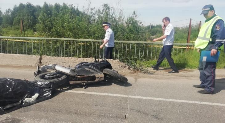 В Коми насмерть разбился мотоциклист (фото)