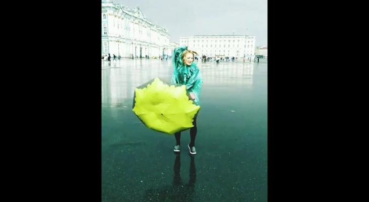 В сыктывкарском проекте «Подари городу песню» участвуют заводной ансамбль, рэпер и учительница (видео)