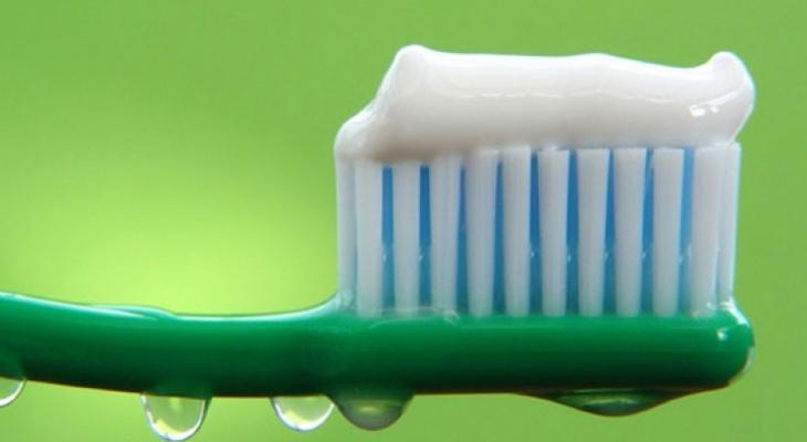 В Росконтроле назвали зубную пасту, которой можно отравиться