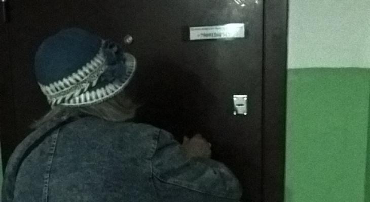 Сыктывкарка: «Сын-уголовник отнял у матери квартиру и запирает старушку на замок»