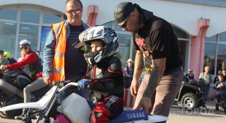 На День Эжвы 7-летний мотоциклист соревновался со взрослыми (фото)