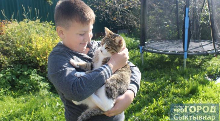8-летний герой Интернета из Сыктывкара, который убирает мусор за взрослыми: кто он такой