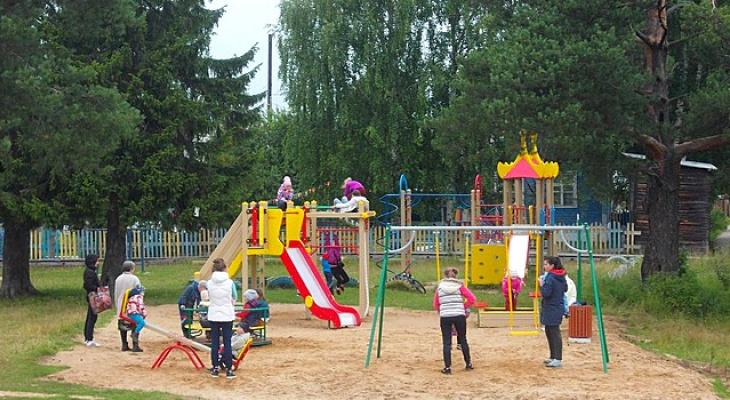 В сыктывкарском поселке впервые появилась современная детская площадка