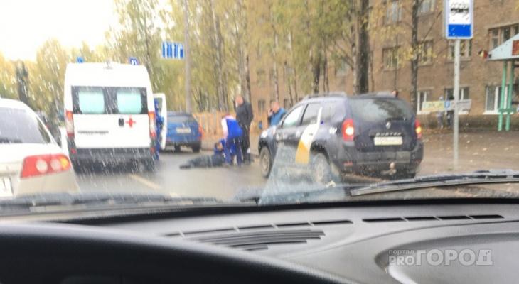 «Мужчина отлетел от капота»: в Сыктывкаре рядом с храмом таксист сбил человека (фото)