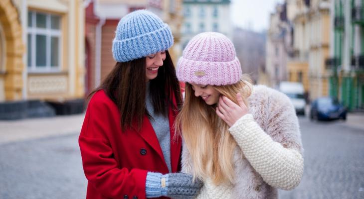 Молодая мама из Сыктывкара поделилась, где искать теплые шарфы и шапки