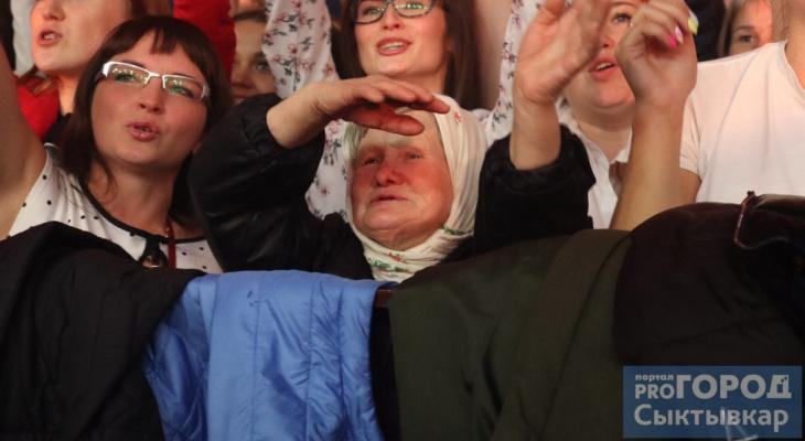 Диско-бабушка из Коми рассказала, почему танцует на концертах