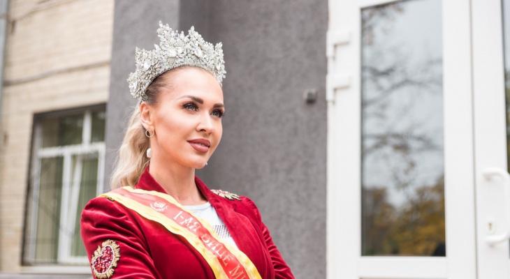 «В детстве я была гадким утенком»: интервью с красавицей из Коми, которая стала «Миссис Россия»