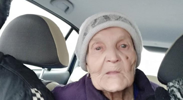 «Она молила о помощи»: девушка вернула домой 93-летнюю бабушку, которая потерялась в Сыктывкаре