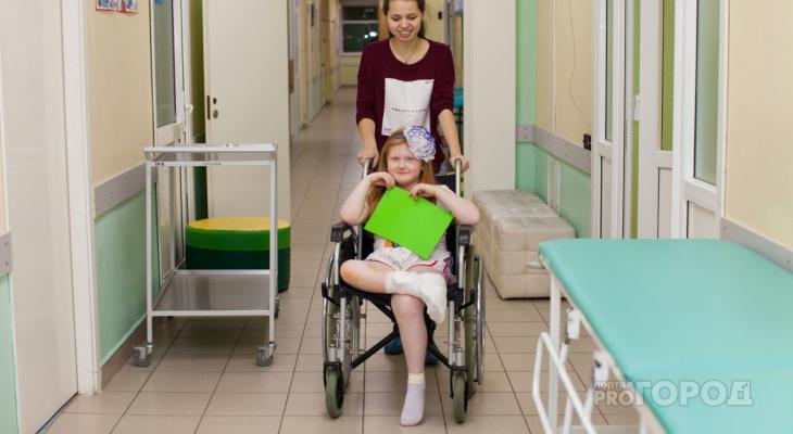 Дети в гипсе: как пациенты травматологии справляются с болью