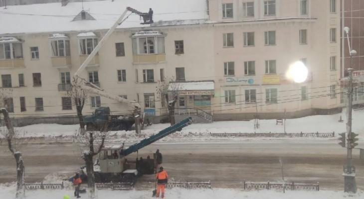Сыктыкарка, на которую упала глыба снега: «У меня нет сил судиться»