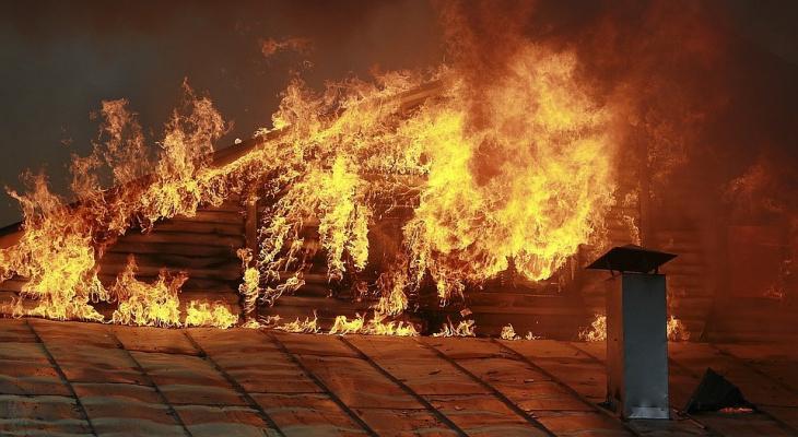 В Коми поджигатель-пироман спалил дом за 3 миллиона рублей