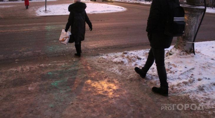 Опасно для жизни: где в Сыктывкаре самые скользкие тротуары