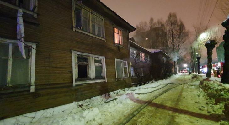 На страшном пожаре в Сыктывкаре спасли двух человек, один из них в реанимации