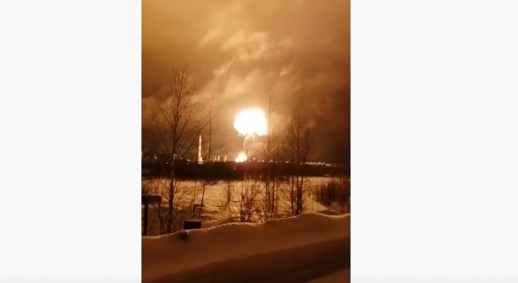 На нефтезаводе в Коми прогремело еще несколько взрывов