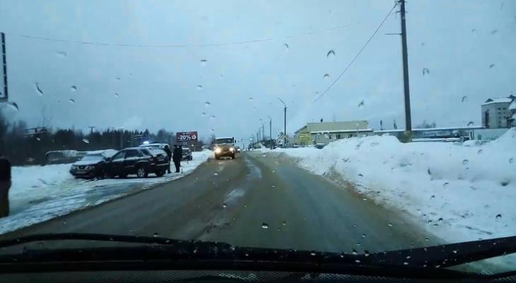 Смертью водителя «Киа» в Сыктывкаре займутся судмедэксперты