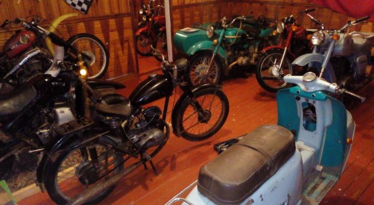 Житель маленького коми поселка создал музей мототехники и прославился на всю Россию