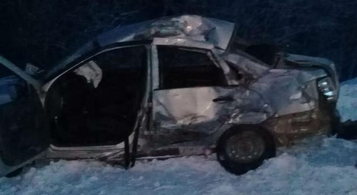 В Коми водитель выехал под грузовик и оказался в больнице