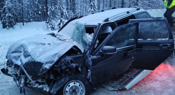 На трассе в Коми столкнулись «Шкода» и «Лада», пострадали пять человек