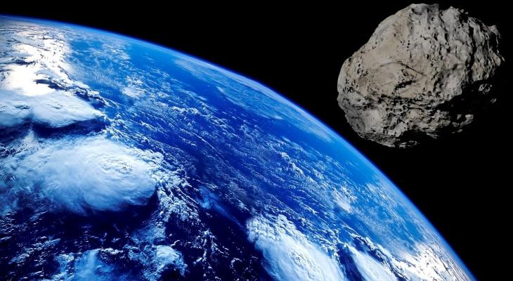 К Земле приближается гигантский астероид: чем он опасен