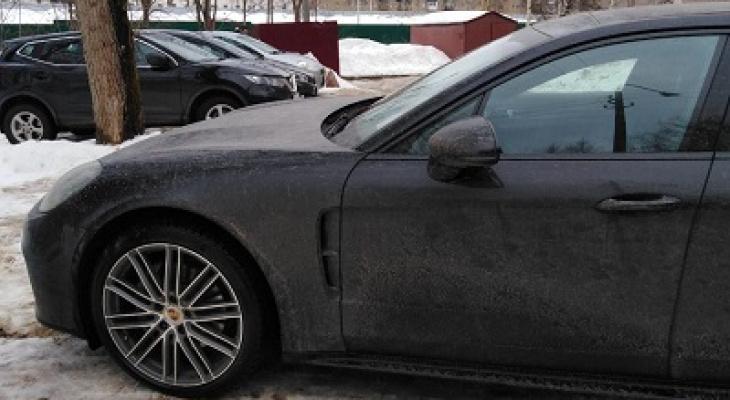 Сыктывкарец из-за долгов лишился элитного автомобиля