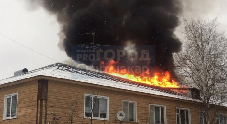 На пожаре в Ухте спасли 12 человек
