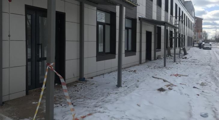 «Попасть в здание мне не удалось»: мэр Сыктывкара не смогла сходить в новую поликлинику