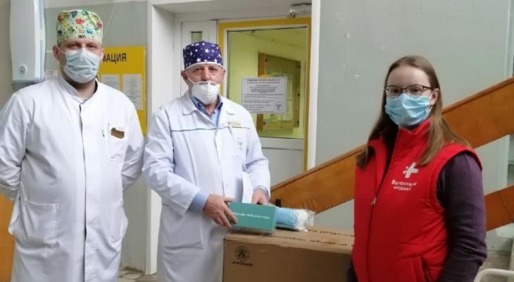 Сбербанк в Коми передал «Волонтерам-медикам» 6000 масок
