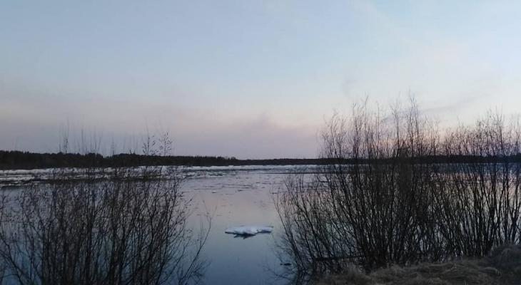 Фото дня в Сыктывкаре: тихая водная гладь под вечерним небом