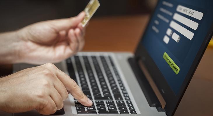 Объем транзакций через интернет-эквайринг Сбербанка в СЗФО вырос на 64%