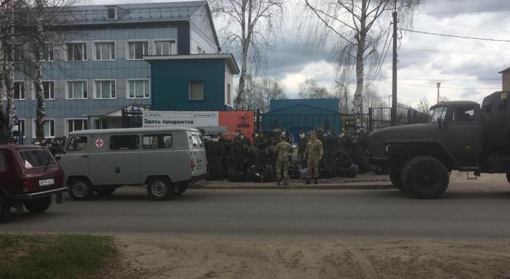 В Сыктывкаре заметили гигантскую колонну военных (фото)
