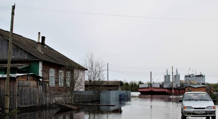 Уровень воды в поселках Сыктывкара приближается к критическому