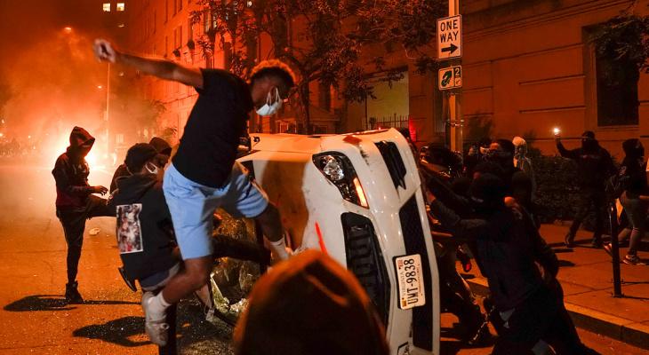 Расизм, мародерство и убийства: сыктывкарец рассказал о беспорядках в США