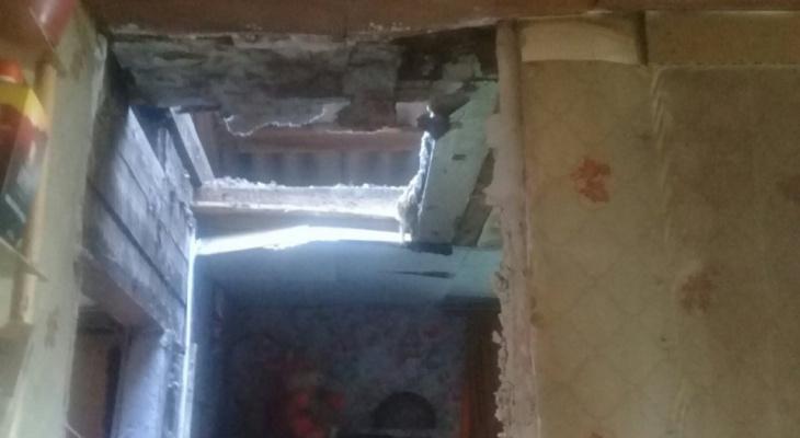 В Сыктывкаре обрушилась печь в жилом доме (фото)