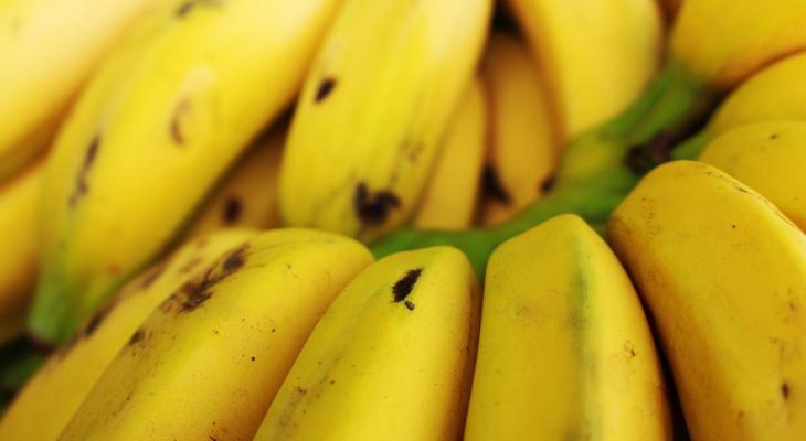 Смертельно опасно: эксперты рассказали, что нельзя есть с бананами