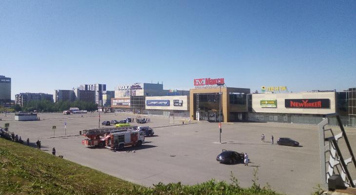 В Сыктывкаре эвакуировали торговый центр
