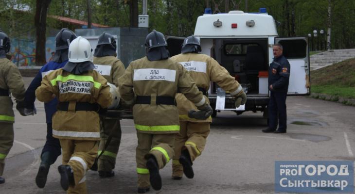 Добровольцы потушили пожар в коми деревне своими силами