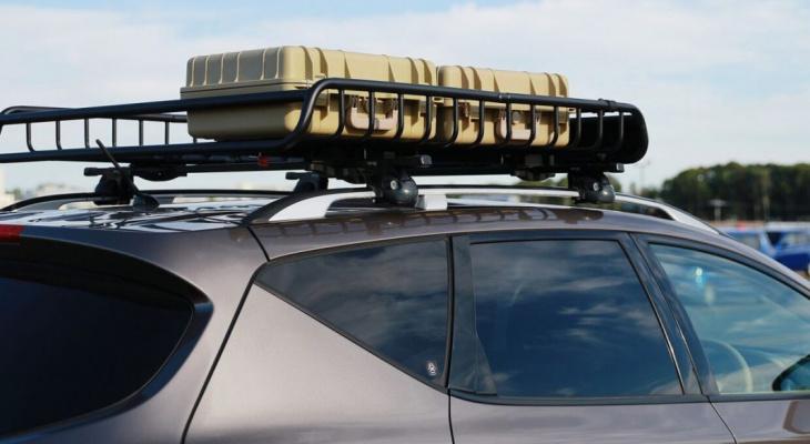 Россиян начали штрафовать за багажники на крышах авто