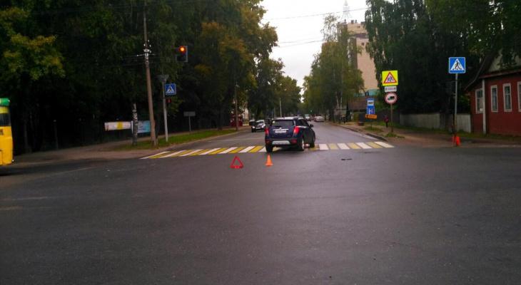 В Сыктывкаре неопытный водитель сбил женщину на пешеходном переходе (фото)