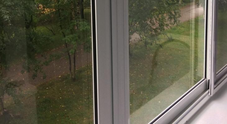 Сыктывкарцам рассказали, как  утеплить балкон  за  два  дня