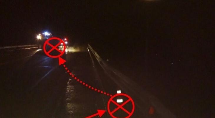 На трассе в Коми опрокинулся УАЗ, четверо пострадали