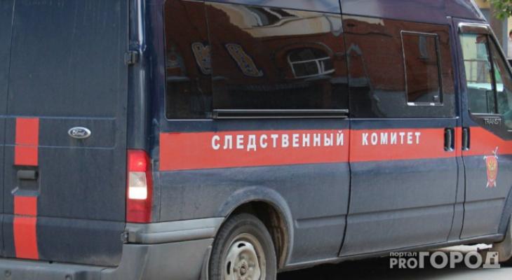 В Сыктывкаре мужчина избил женщину и оставил ее умирать в подъезде