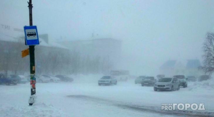 На Коми обрушился мощный ветер и снегопады