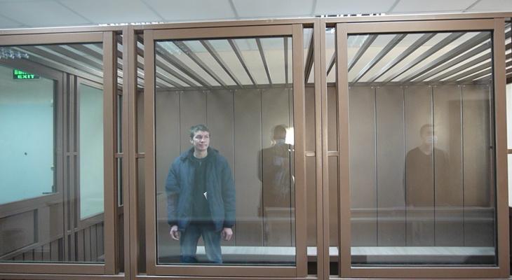 Сыктывкарский горсуд взял под стражу подозреваемых в убийстве человека, которого нашли в люке