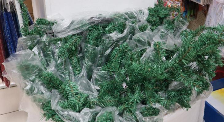 Обзор: сколько стоят искусственные елки в магазинах Сыктывкара