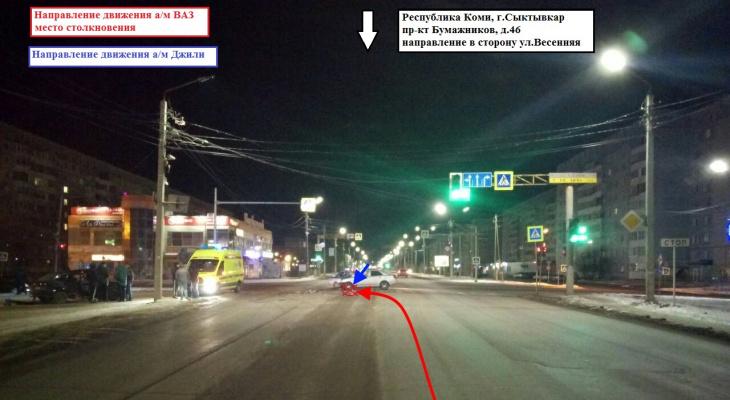 Ночная авария в Эжве: один из водителей бросил пассажирку и сбежал