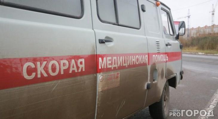 В Сыктывкаре четырехлетняя девочка схватила гирлянду и получила электротравму
