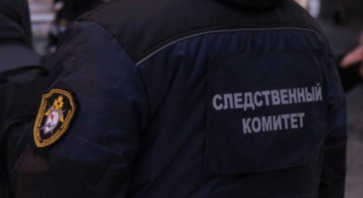 Из окна жилого дома в Сыктывкаре выпала девушка